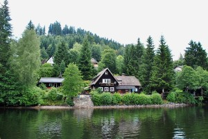 800px-3_of_10_-_Lake_Titisee,_Black_Forest_-_GERMANY