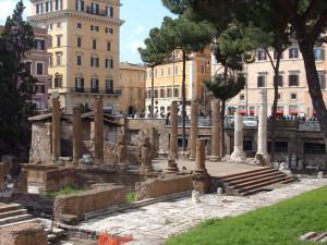 800px-Rome_Largo_di_Torre_Argentina_Temple_A