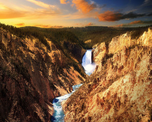 Yellowstone_Waterfall