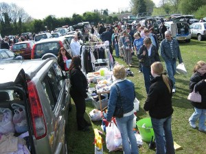 800px-Car_boot_sale